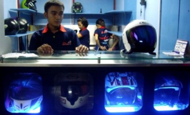 Waralaba: Buka Bisnis Cuci Helm dengan Modal 1,5 Juta