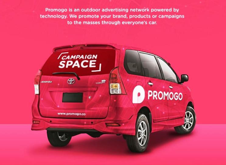 pasang iklan promogo di kaca belakang mobil